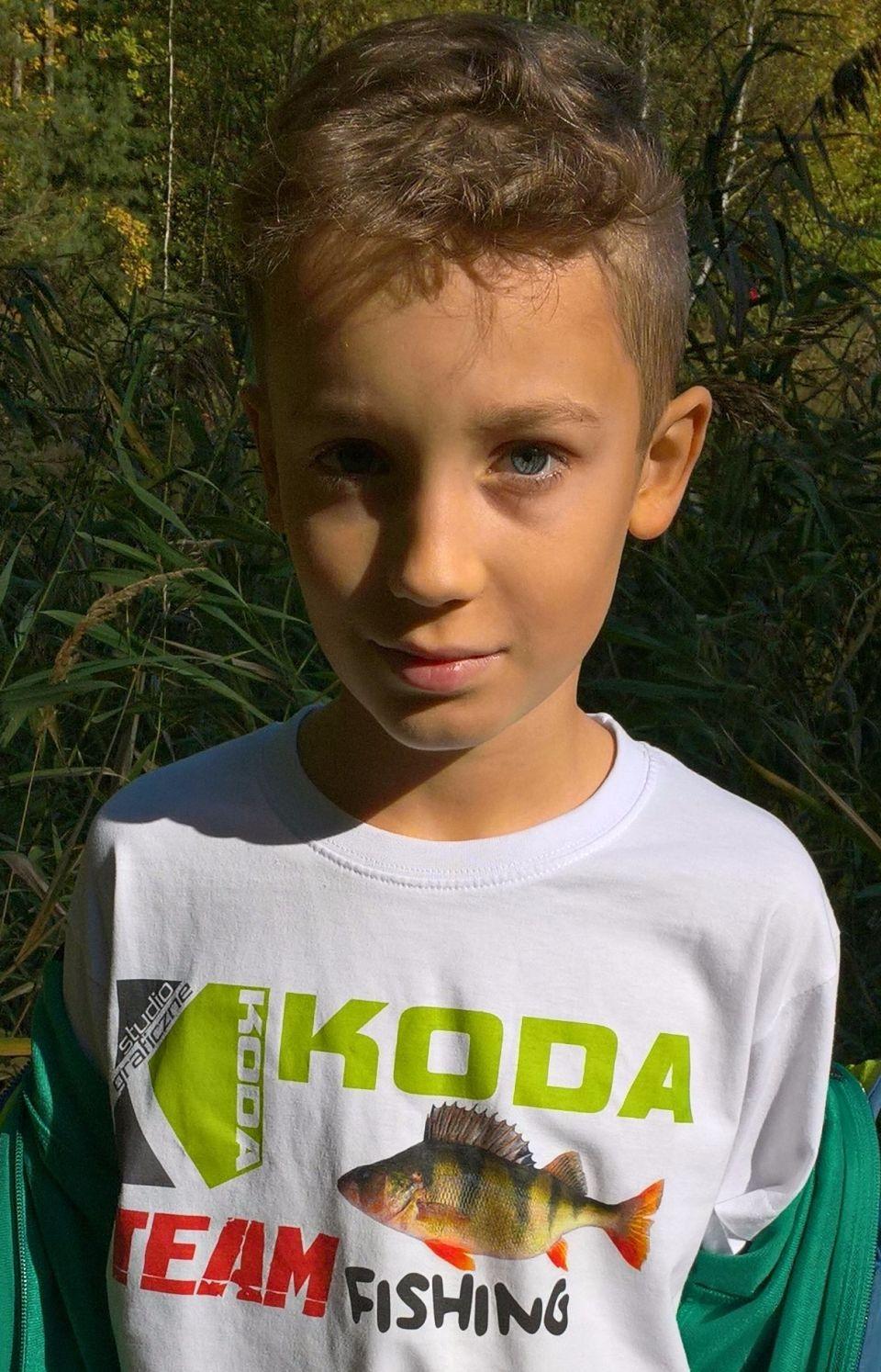 12.10.2017.Prezentacja nowej koszulki TEAMU KODA-FISHING dla młodzieży z ładnie ubarwionymi paliami.