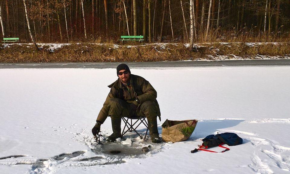 09.02.2018.Pierwszy w tym roku udany wypad na lód.Kilka okoni,kilkanaście płotek,ale szczególnie cieszy pięknie wybarwiona palia.