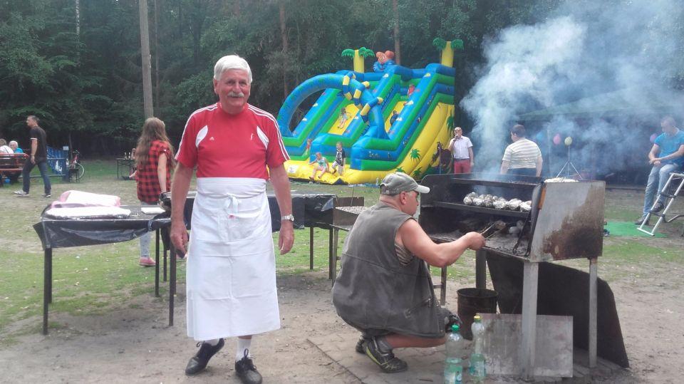 """Zarząd Stowarzyszenia Wędkarskiego """"LIN"""" serdecznie dziękuje Dyrekcji KWK """" WUJEK """" za znaczącą pomoc w zorganizowaniu Zawodów Wędkarskich i festynu dla naszych pociech. <br />Podziękowania należą się również:<br />- Związkowi Zawodowemu  """"Sierpień 80"""" przy KWK """"WUJEK"""",<br />- Związkowi Zawodowemu  Ratowników Górniczych w Polsce przy KWK """"WUJEK"""", <br />- Związkowi Zawodowemu  """"KADRA"""" przy KWK """"ŚLĄSK"""", <br />- NSZZ """"SOLIDARNOŚĆ"""" przy KWK """"ŚLĄSK"""", <br />- Senatorowi RP Panu Leszkowi Piechocie <br /><br />Organizatorzy serdecznie dziękują dzieciom oraz rodzicom i opiekunom<br />za udział i uczestnictwo w obchodach Dnia Dziecka – 2016.<br />Zapraszamy za rok.<br /><br />Zarząd Stowarzyszenia Wędkarskiego """"LIN"""""""