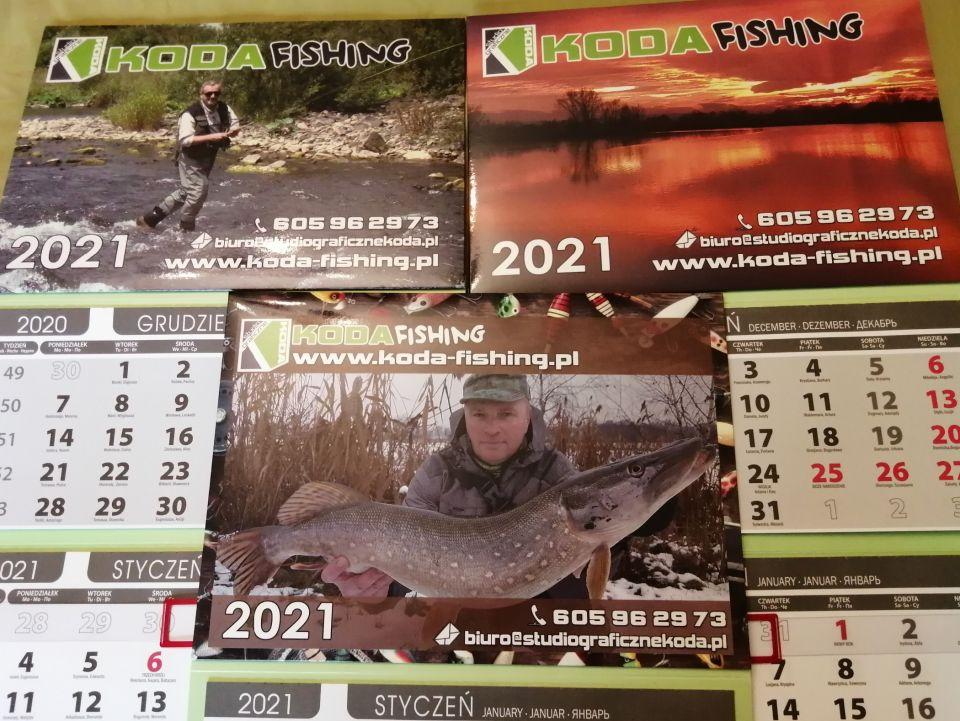 Prezentacja kalendarzy KODA-FISHING wraz z życzeniami udanych wypadów i wypraw wędkarskich w 2021 roku.